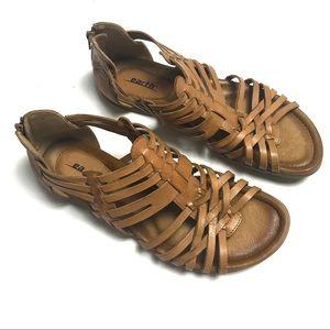 Earth Bonfire Huaraches sandals with zipper back